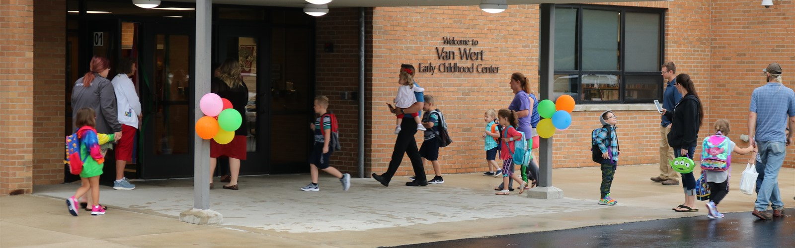 Students enter the ECC on the first day of school