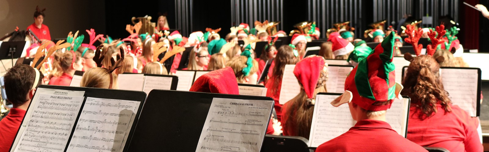 VWHS concert band performs their annual Kiddie Christmas Concert